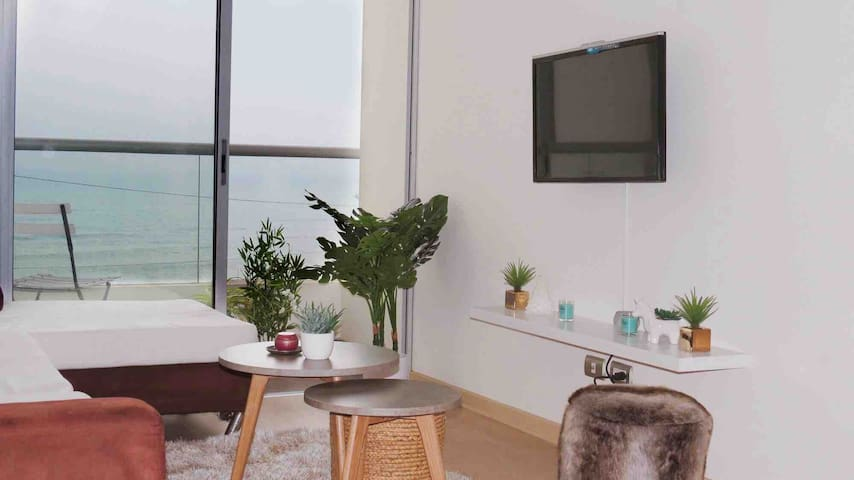 Modern and Chic Ocean View apartment /Near AirPort