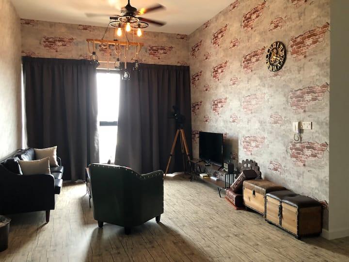 E2S- Cozy Vintage 3 Bedrooms Apartment (Puchong)