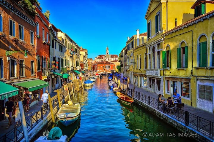 """Venice iside """"ORO"""" up"""