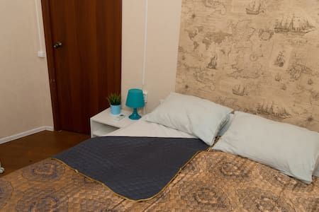 air conditioned 1 double bed room without window - Москва - Apartment