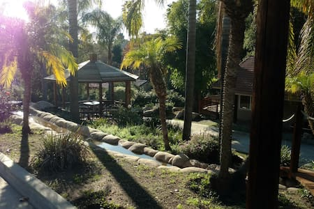 The Dragonfly Retreat - Escondido - Guesthouse