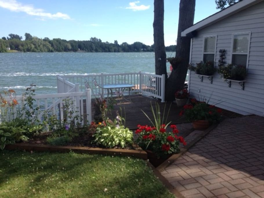 Waterfront Cottage Cherry Beach Picton Pec Cabins For