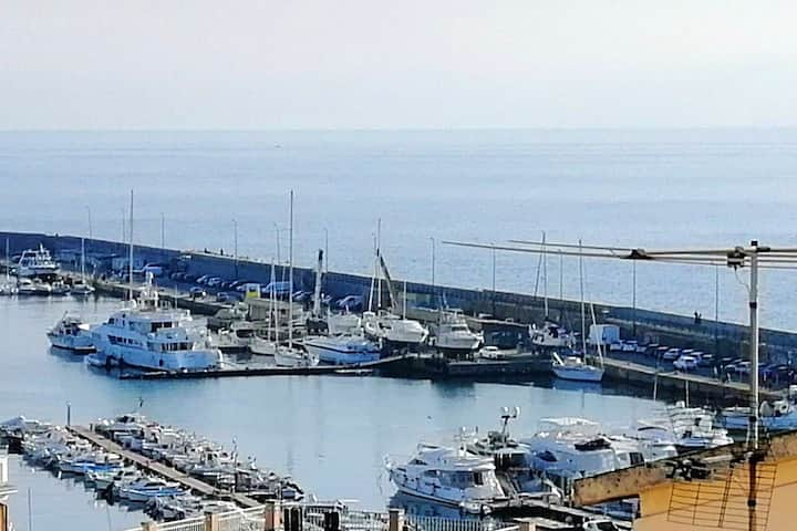 Apartment with 3 bedrooms in Sanremo, with wonderful sea view, terrace and WiFi - 40 m from the beach