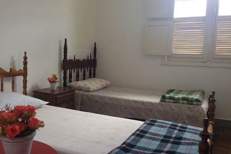 Individual Bed w. Shared Bathroom - Tiradentes - Bed & Breakfast