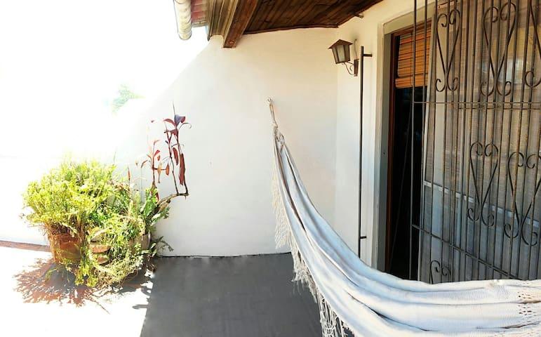 Mezanino acolhedor bem localizado ❤   *com garagem - Pelotas - House