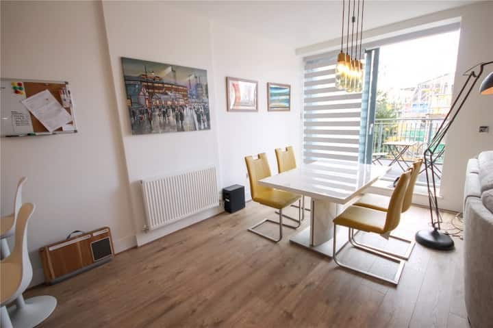 Didsbury Stunning Open Plan 1 Bed Modern Apartment