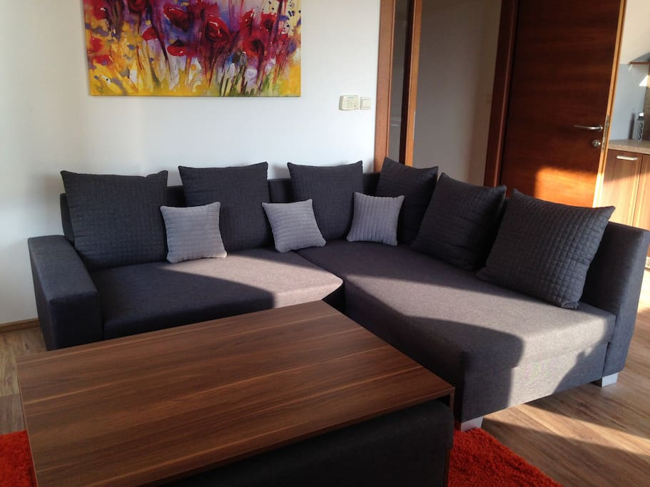 Living room, 200x175 cm sofa bed and table