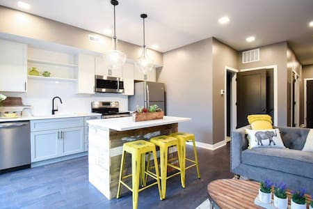 Brand New Luxury Condo Minutes from Downtown C3