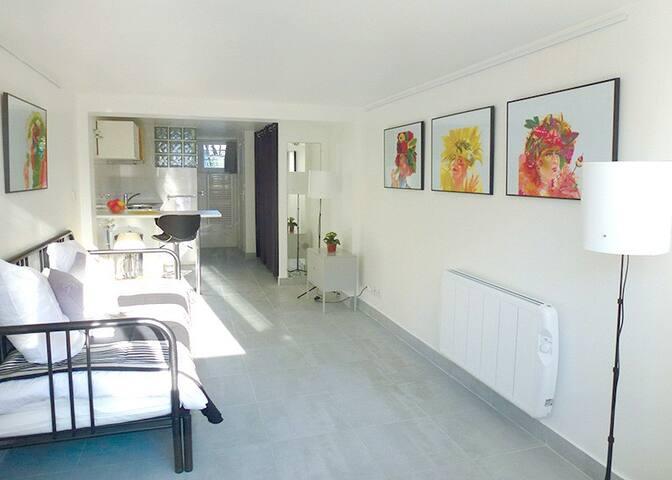 Studio, proche de Paris, au calme, indépendant.