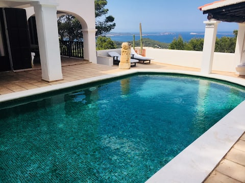 Perfect family vacation villa with stunning views