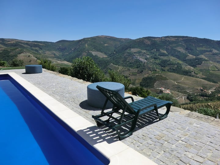 Quinta with Private Vineyard and Amazing Views!
