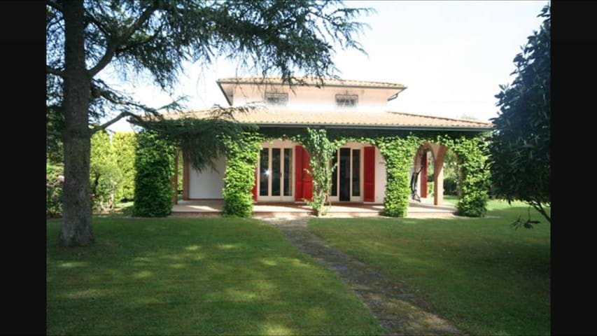 Your Tuscany Villa in a top wine area and  beaches