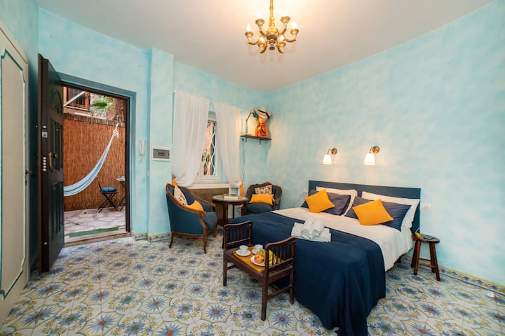 The cozy Suite , with a double comfortable bed and a choice of pillows (firm and soft)