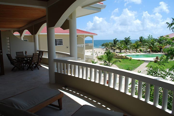 Los Porticos Villas - Pool View Villa 6C