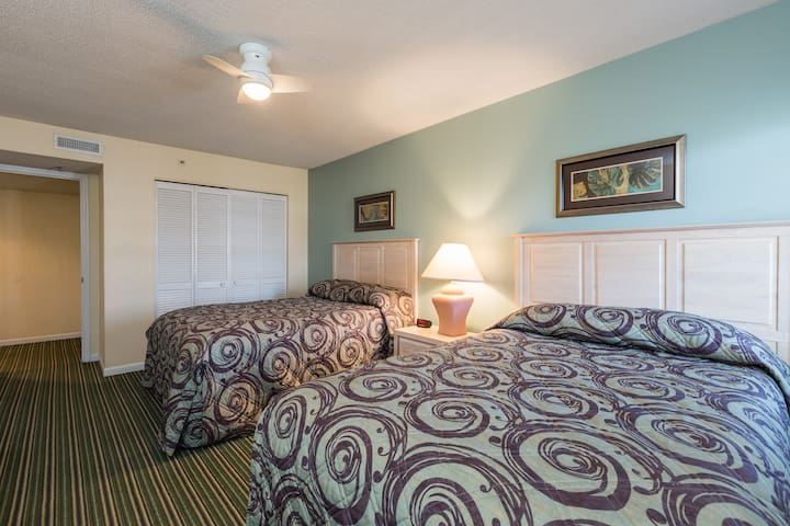 Bedroom with Two Doubles at Windy Shores II Resort