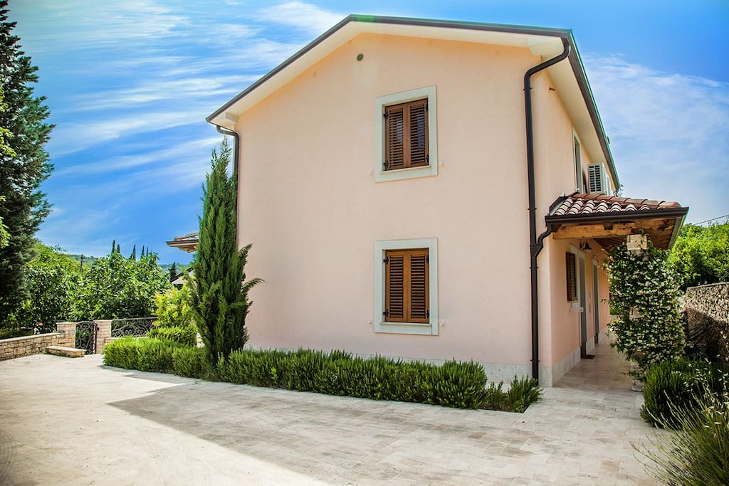 Apartment house in Strunjan