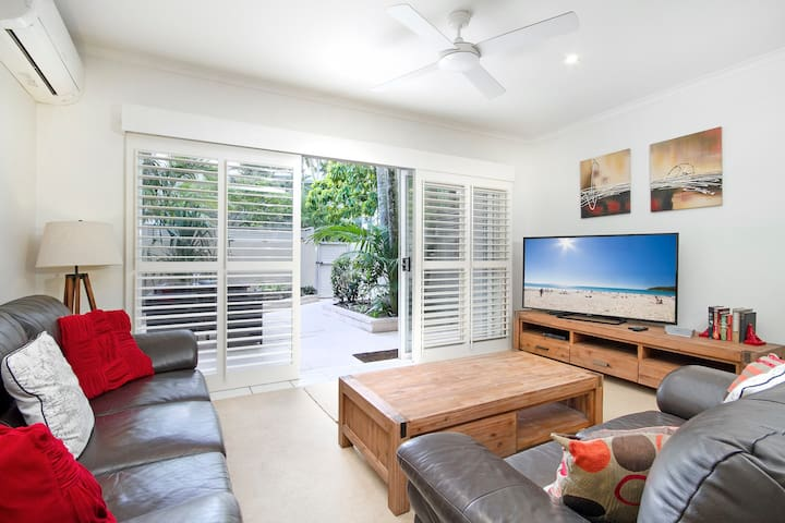 Great value townhouse, on Noosa Parade
