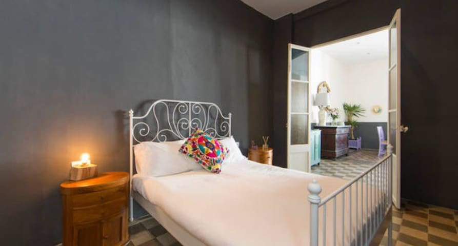 Loft style double room Ibiza Town - Ibiza - Leilighet