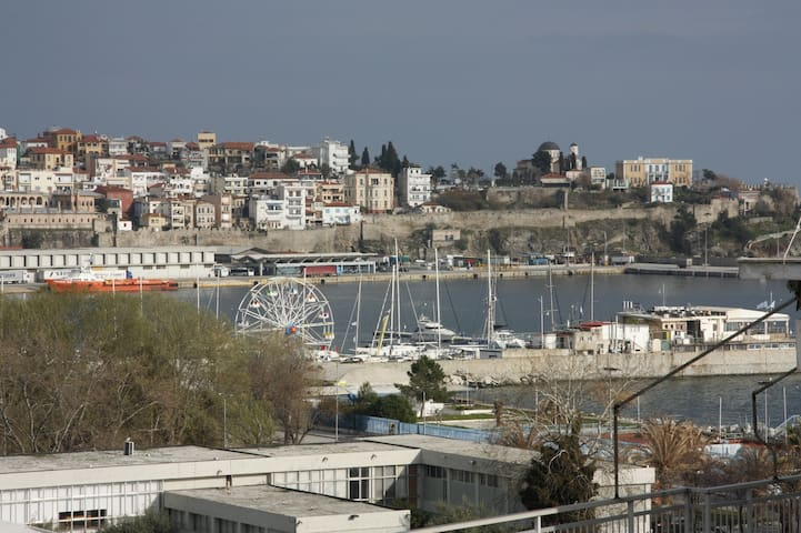 Amazing sea view downtown apartment - Kavala - Apartamento