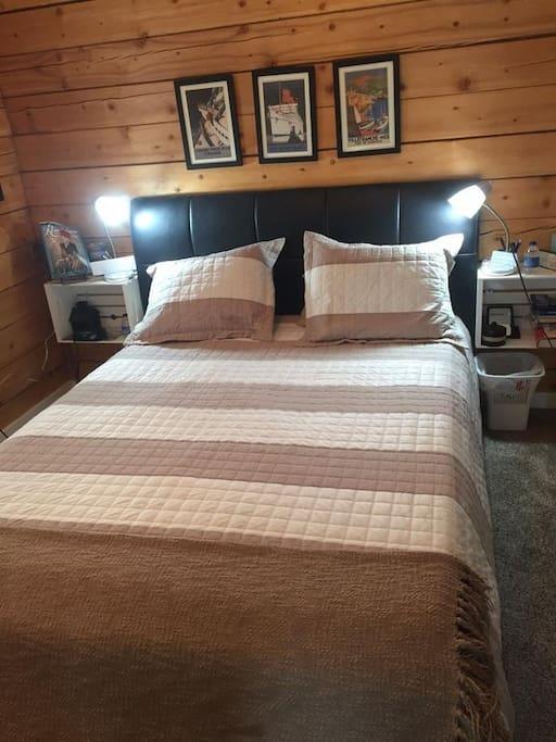 Queen Adjustable Bed