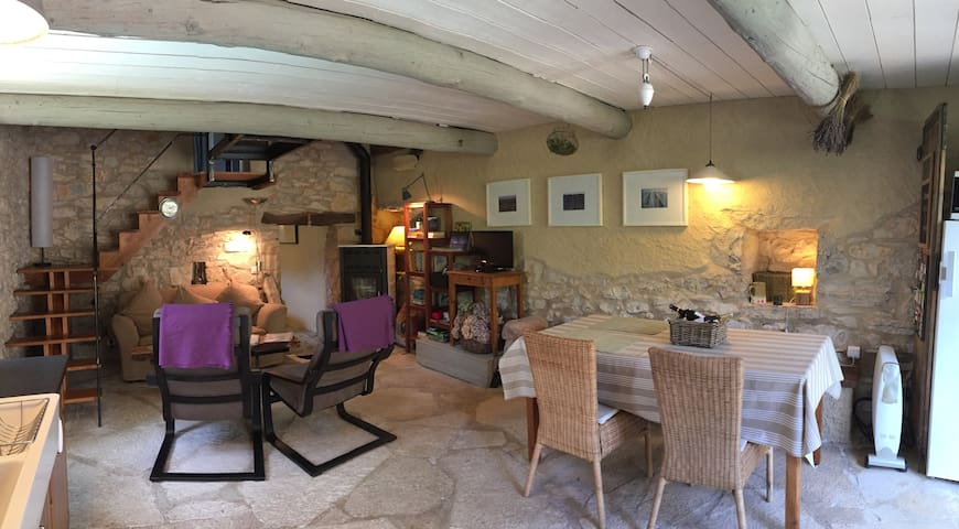 Stone Cottage with Private Pool - L'Hospitalet - Dům