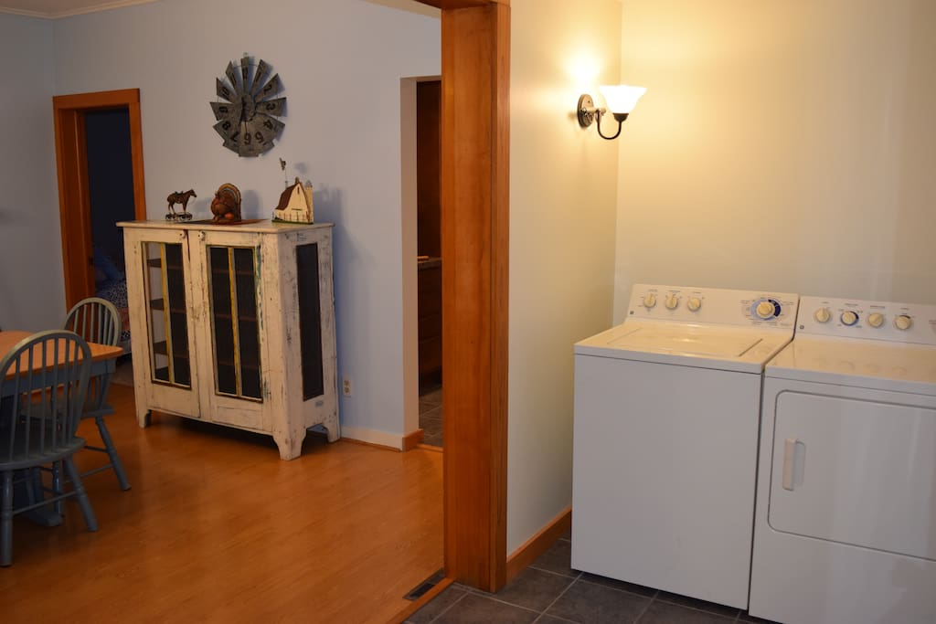 Foyer with Laundry