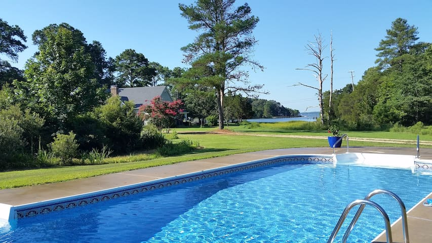 Waterfront Windward Farm - Sleeps 12