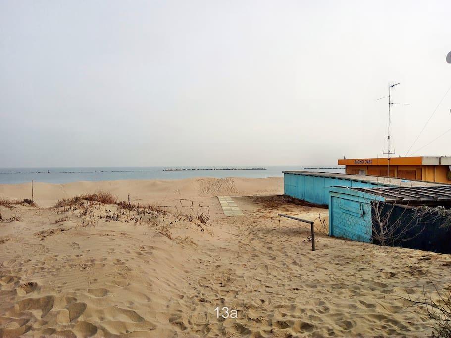 Appartamento a pochi metri dal mare appartamenti in - Bagno marina beach lido adriano ...