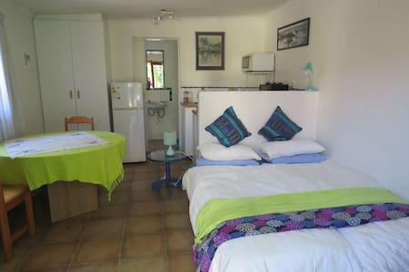 Comfortable garden cottage - Kapstaden