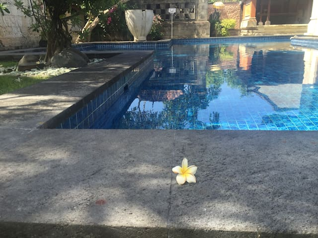 2. BEAUTIFUL VIEW to fantastic pool - Denpasar Selatan - House