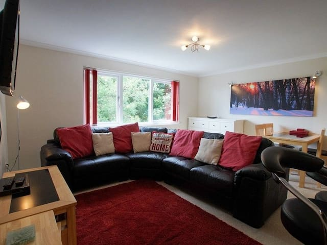 CUMBRIA COURT, family friendly in Bowness-On-Windermere, Ref 972401