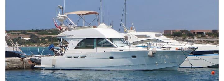 Giulietta II - 14 Metre Motor Yacht