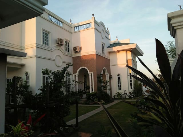 LEBE MAISON - White House