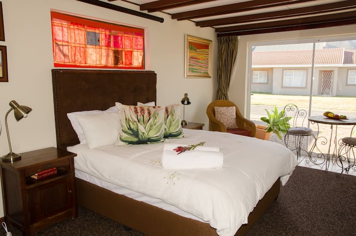 Guest Suite with Mountain View - Cape Town