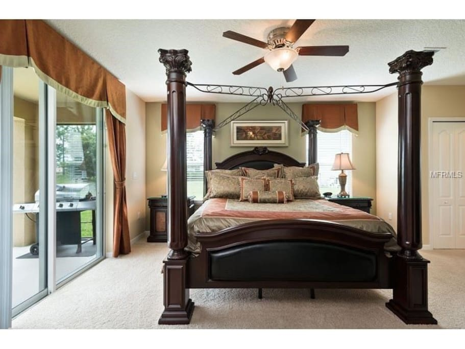 King Master Bedroom will make you feel completely at ease.