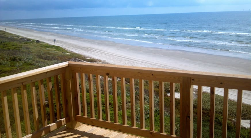 3BR/3BA Direct Ocean View Lost Colony Property