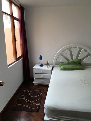 Habitaciones en zona 100% turística - Yanahuara - Casa