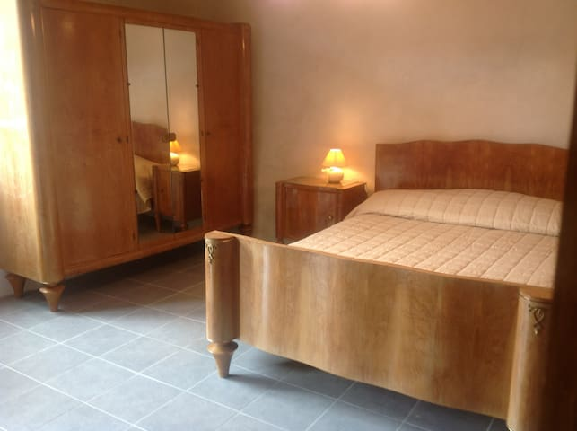 The Secret Garden-France B&B - Double Room - Ground Floor - Courdemanche - House