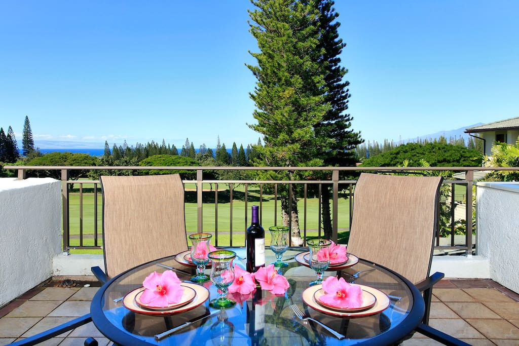 Enjoy meals and drinks on this very private and spacious lanai