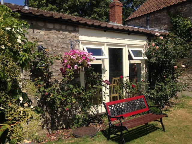 Ryedale Cottage,  countryside location/Helmsley