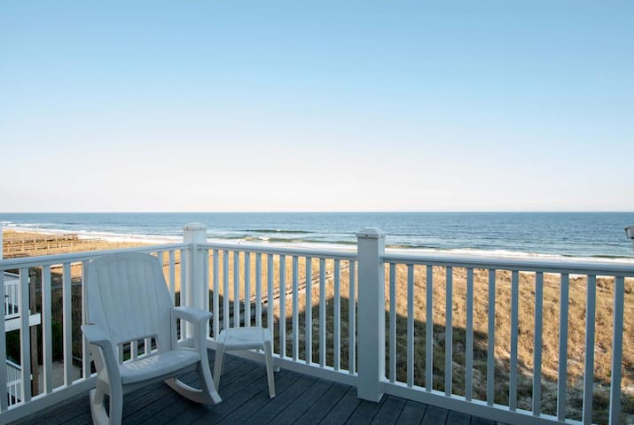 Willmann-Sweeping coastline views from this top floor ! *Reduced Rate * Book Now !!!!