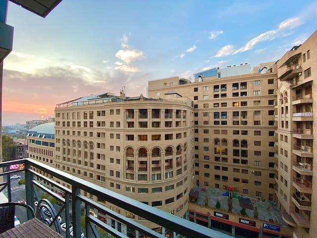 1 BDR on Buzand 17 with Balcony