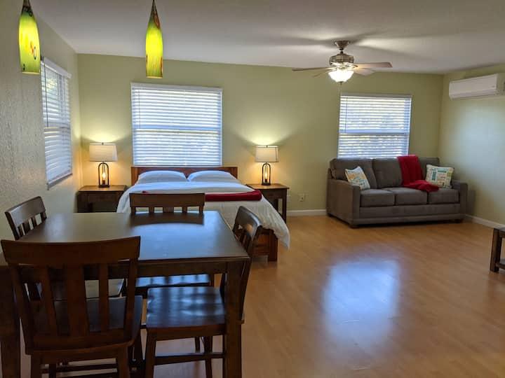 Pura Vida Cabin in Sarasota