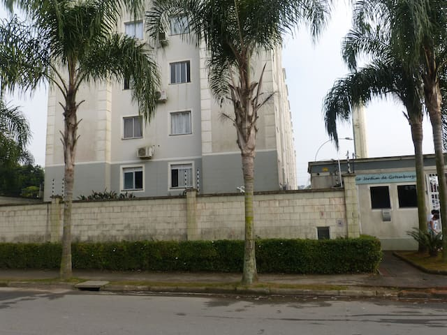 Belo apartamento na zona sul de Joinville