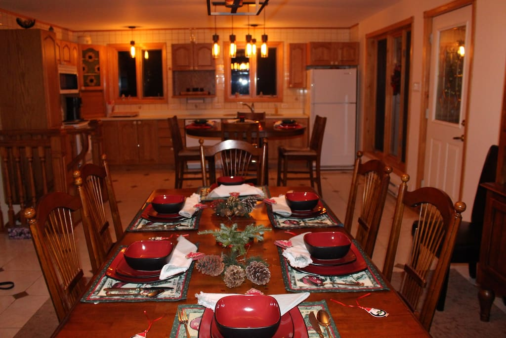 Salle à manger pour 8 Personnes plus 4 personnes table cuisine