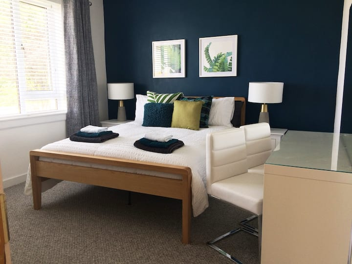Spacious room with continental breakfast