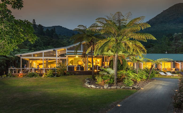 Exclusive Use with Chef: Raetihi Lodge Waterfront