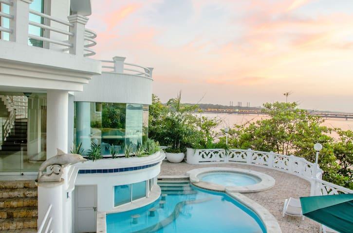 Casa Luxury Frente al Mar - Desayuno Incluido