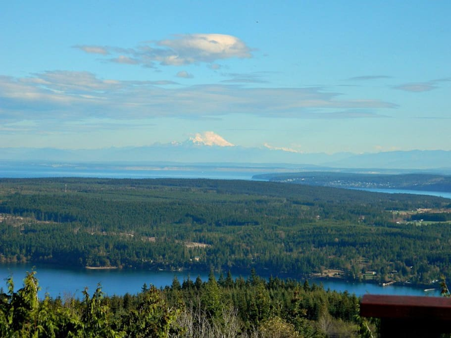 Mt Baker in the distance, Strait and Islands