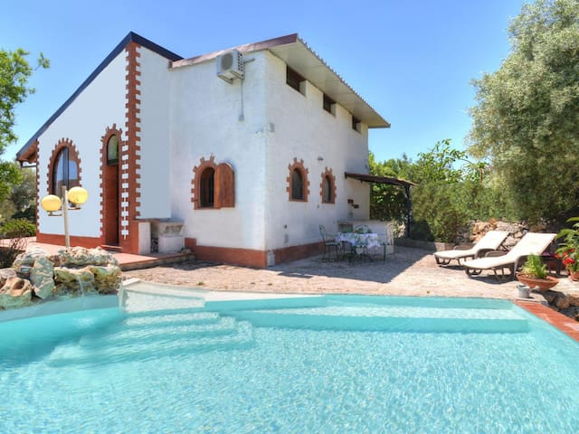 3-room house, detached, for 4 people, 80 m²